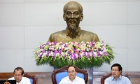 Premierminister Nguyen Xuan Phuc leitet Kabinettssitzung