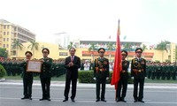 Staatspräsident Tran Dai Quang nimmt am 50. Jahrestag der Akademie für Militärtechnik teil