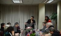 Vizeparlamentspräsidentin Tong Thi Phong trifft Vietnamesen in New York
