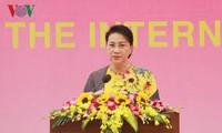 Parlamentspräsidentin Nguyen Thi Kim Ngan empfängt myanmarischen General Min Aung Hlaing