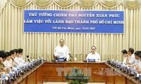 Premierminister Nguyen Xuan Phuc trifft Spitzenpolitiker von Ho Chi Minh Stadt