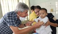 """Claus Ruff, der """"ein großes Herz"""" für vietnamesische Herzkrankenkinder hat."""
