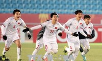 Staatspräsident Tran Dai Quang verleiht Arbeitsorden an vietnamesische U23 Fußballer
