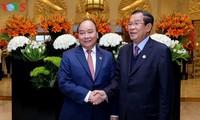 Premierminister Nguyen Xuan Phuc führt bilaterale Gespräche beim ASEAN-Indien Treffen
