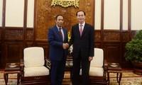 Staatspräsident Tran Dai Quang empfängt den scheidenden Botschafter der VAE
