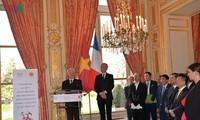 Feier zur 45-jährigen Aufnahme diplomatischer Beziehungen zwischen Vietnam und Frankreich