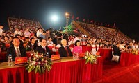 Nguyen Phu Trong nimmt an Feier zur 1050-jährigen Staatsgründung von Dai Co Viet teil