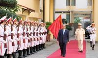 Sechs Lehren von Präsident Ho Chi Minh an die Volkspolizei sind Wegweiser für sie
