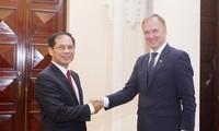 Politischer Dialog zwischen Vietnam und Lettland