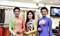 Vietnamesische Modeschöpfer bringen traditionelle Trachten Ao dai auf der Welt
