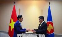 Vietnam setzt bevorzugte Zusammenarbeit der ASEAN beim Aufbau der ASEAN-Gemeinschaft um