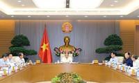 Premierminister Nguyen Xuan Phuc leitet Regierungssitzung