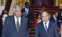 Premierminister Nguyen Xuan Phuc empfängt Amtskollegen aus Sri Lanka