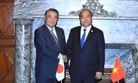 Premierminister Nguyen Xuan Phuc trifft Vorsitzenden japanisches Unterhauses