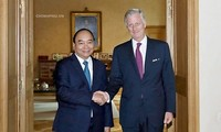 Premierminister Nguyen Xuan Phuc nimmt am Forum der asiatisch-pazifischen Unternehmer teil