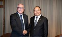 Premierminister Nguyen Xuan Phuc für Ausweitung der Geschäfte von Sembcorp in Vietnam