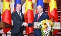 Vertiefung der strategischen und umfassenden Partnerschaft mit Russland