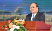 Premierminister Nguyen Xuan Phuc nimmt an Investitionskonferenz in Cao Bang teil