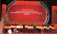 Auszeichnung für Schüler und Studenten der ethnischen Minderheiten
