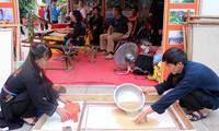 Die Herstellung der Do-Papiere der Volksgruppe Cao Lan in Bac Giang
