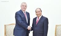Premierminister Nguyen Xuan Phuc empfängt Prinz von Großbritannien