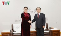 Parlamentspräsidentin Nguyen Thi Kim Ngan empfängt Bürgermeister von Busan