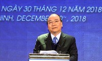 Premierminister Nguyen Xuan Phuc eröffnet Flughafen Van Don