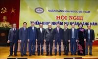 Premierminister Nguyen Xuan Phuc nimmt an Evaluationskonferenz der Banken teil