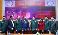 Premierminister Nguyen Xuan Phuc nimmt an Bewertungskonferenz über Beschluss vom Politbüro teil