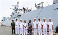Kriegschiff der Marine von Bangladesch besucht Ho Chi Minh Stadt