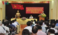 Abgeordneten-Delegationen treffen Wähler in Vietnam