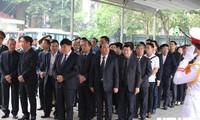 VOV-Leiter sind bei Trauerfeier von ehemaligen Staatspräsidenten Le Duc Anh
