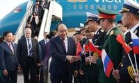 Premierminister Nguyen Xuan Phuc ist in der russischen Stadt Sankt Petersburg angekommen