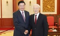 베트남 -라오스의 특별한 단결 관계를 계속 유지해
