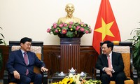 Pham Binh Minh 부총리 겸 외교부장관, 한국 외교부 차관보 접견