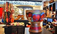 Inauguran exposición fotográfica y de productos artesanos de Colombia en Hanoi