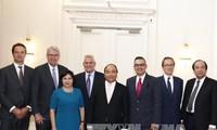 Premier vietnamita aboga por el impulso de los nexos económicos con los Países Bajos