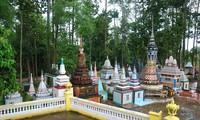 Visitan pagodas de los Jemeres en Soc Trang