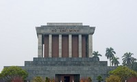 Homenaje al presidente Ho Chi Minh en el Día de la Independencia Nacional