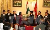 El Partido Comunista de Vietnam y el Partido Socialista de Hungría fortalecen nexos