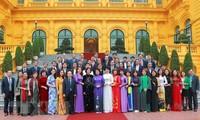 Vicepresidenta vietnamita dirige perfeccionamiento de políticas sociales
