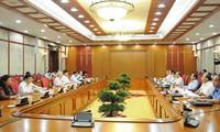 Buró Político del Partido Comunista de Vietnam revisa proyectos de leyes