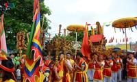 Tradicional festival de la casa comunal de Tra Co
