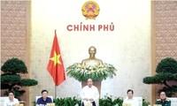Primer ministro vietnamita dirige reunión gubernamental sobre leyes