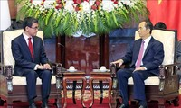 Presidente vietnamita recibe al canciller japonés