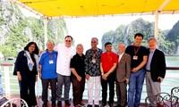 Delegados de la Asosai visitan la bahía de Ha Long