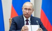Putin anuncia desdolarización progresiva de la economía rusa