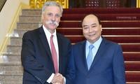Premier vietnamita promete garantizar el éxito del Gran Premio de F1 en Hanói