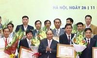 Honran a los individuos y colectivos vietnamitas más destacados en desarrollo agrícola