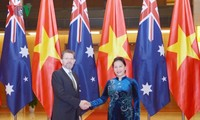 Presidenta de Parlamento vietnamita se reúne con jefe del Senado australiano